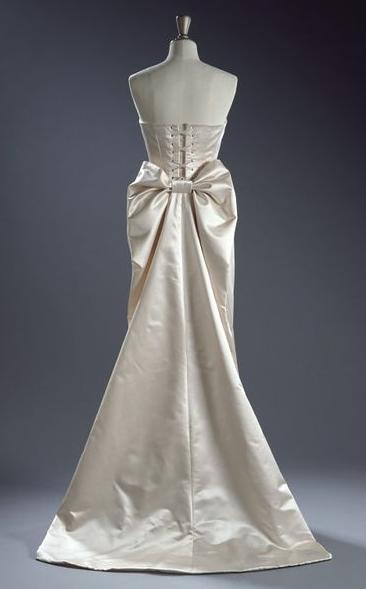 bow bottom dress