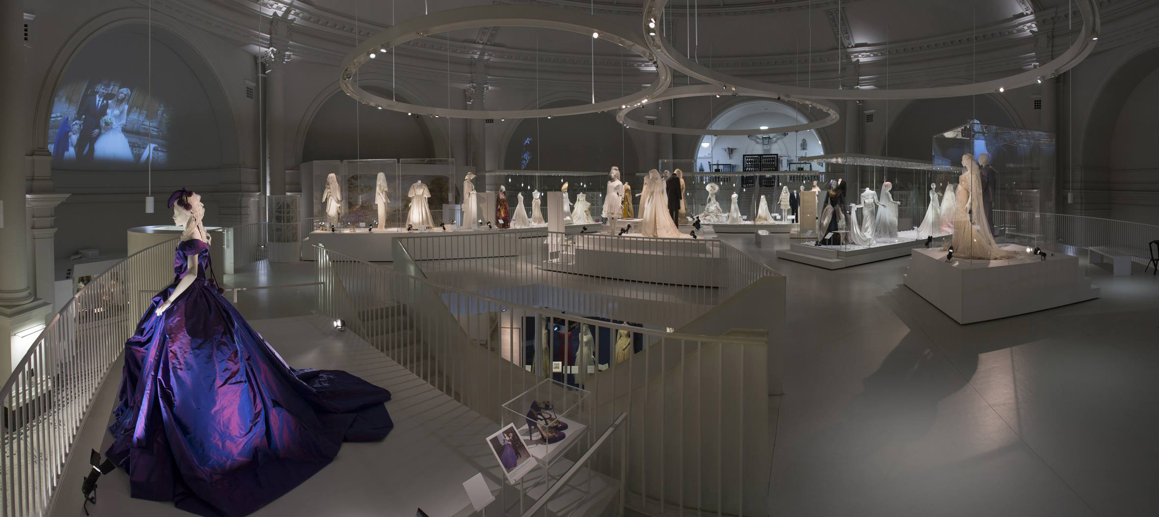 wedding dress exhibition